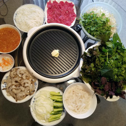 Grilled Beef With Squid And Shrimp ( Bò Nướng Vỉ )