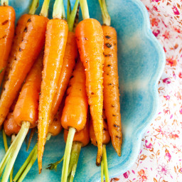 Grilled Carrots with Thyme And Onion