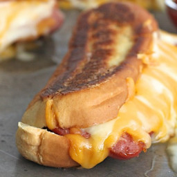 grilled-cheese-hot-dogs-1772434.jpg
