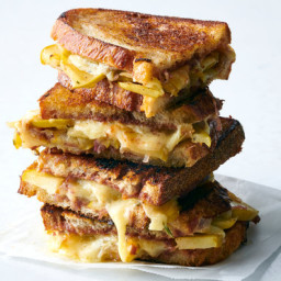 Grilled Cheese With Apples and Apple Butter
