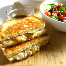 Grilled Cheese with Caramelized Onion