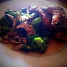 Grilled Soy-Galanga Chicken With Broccoli and Shiitake Mushrooms