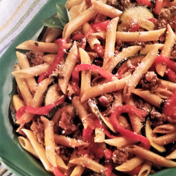 Ground Beef with Peppers and Pasta
