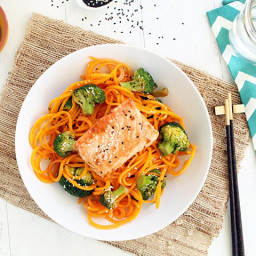 """Guest Post: Salmon with Butternut Squash """"Soba"""" Noodles and Sesam"""