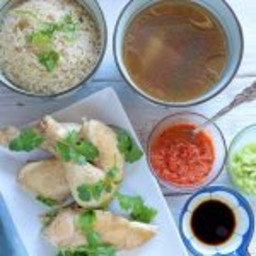 Hainanese Chicken Rice with 3 dipping sauce