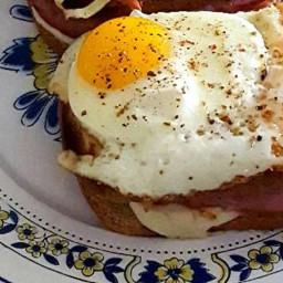 Ham and cheese gruyere croque madame