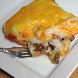 Hamburger Pie Casserole Recipe with Creamy Roasted Garlic Mashed Potatoes