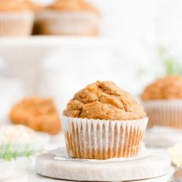 Healthy Carrot Cake Oatmeal Muffins