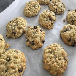healthy-chocolate-chip-oatmeal-cookies-37001d9ae69041b30af2defa.jpg