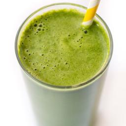Healthy Green Juice with Lemon