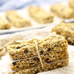 Healthy No-Bake Chocolate Chip Protein Granola Bars