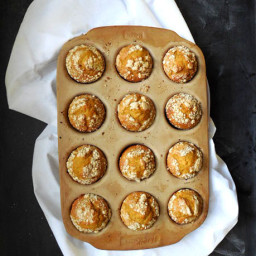 Healthy Pumpkin Coffee Cake Muffins