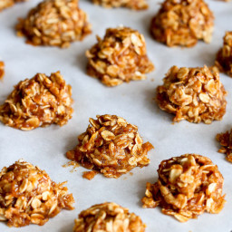 Healthy No-Bake Maple Cookies {Vegan}