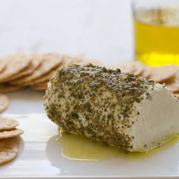 Herbed chèvre and rice crackers