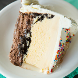 Homemade Dairy Queen Ice Cream Cake [Copycat]