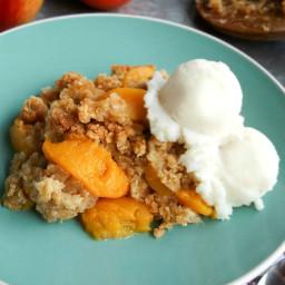 Homemade Peach Cobbler Crisp