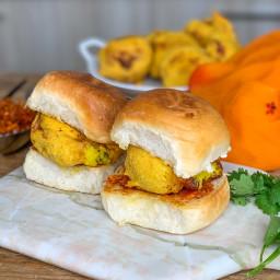 Homemade Vada Pav Recipe With Cheesy Aloo Vada