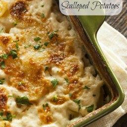 Homemade Cheesy Scalloped Potatoes