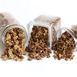 honey-almond-granola-1931588.jpg