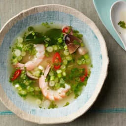 Hot and Sour Thai Soup: Tom Yum Goong
