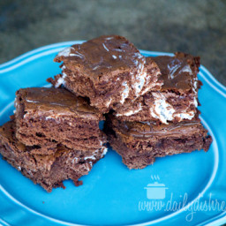 Hot Chocolate Brownies with Marshmallow #SweetEatsHolidayTreats