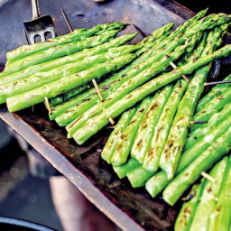 how-to-grill-asparagus-recipe-1952817.jpg
