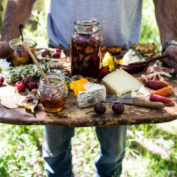 How to make a Killer Summer Cheeseboard (with pickled strawberries + Herb R