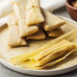How to Make Dough for Tamales With Masa Harina