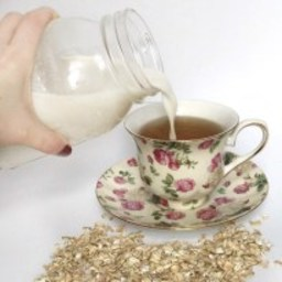 How to Make Oat Milk Like Oatly