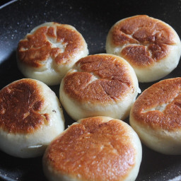How to Make Soft Buns Without Oven (on a frying pan)