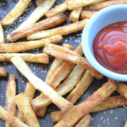 How to Make the Crispiest French Fries in the Oven