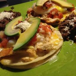 Huevos Rancheros con Pollo