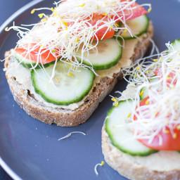Hummus Breakfast Toast