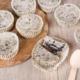 indulging-cookies-cream-tortoni-1743505.jpg