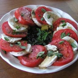 Insalata Caprese Salad RecipeMozzarella, Tomato and Basil Plate - Caprese