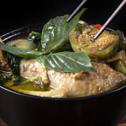 Instant Pot Thai Green Curry Chicken Recipe (Gang Kiew Wan Gai)