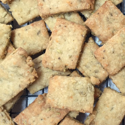 Italian crackers: Parmesan, Fennel and Olive Oil