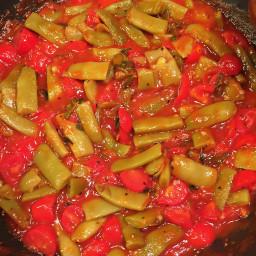 Italian Cut Beans with Fresh Tomato Sauce (Fagiolini al Sugo)