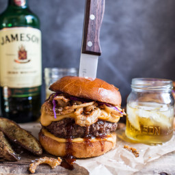 jameson-whiskey-blue-cheese-burger-with-guinness-cheese-sauce-crispy-...-1495330.jpg