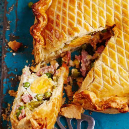 Jamie Oliver's pea, egg and ham pie