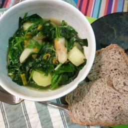 Jerusalem artichoke minestrone with spinach
