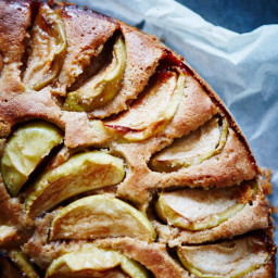 Kage med æbler og kanel. Nemmere bliver det ikke.