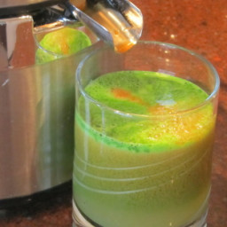 Kale Carrot and Apple Calcium Booster Juice for Juicer