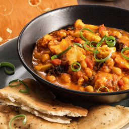 Kichererbsen-Curry mit Naan-Brot