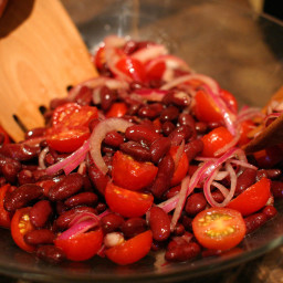 Kidney Bean, Red Onion And Tomato Salad