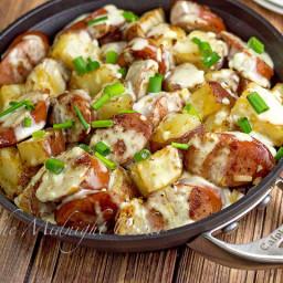 Kielbasa and Potatoes in Cheese Sauce