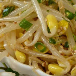 Kongnamool (Korean Soybean Sprouts)