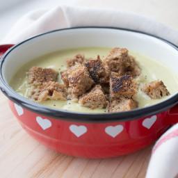 Kremasta juha od cvjetače i češnjaka
