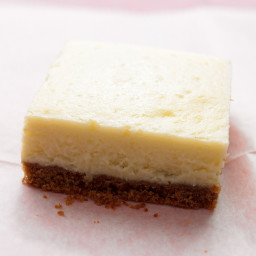 lemon-cheesecake-squares-1586990.jpg