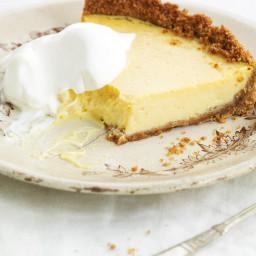 lemon-ice-box-pie-2401789.jpg